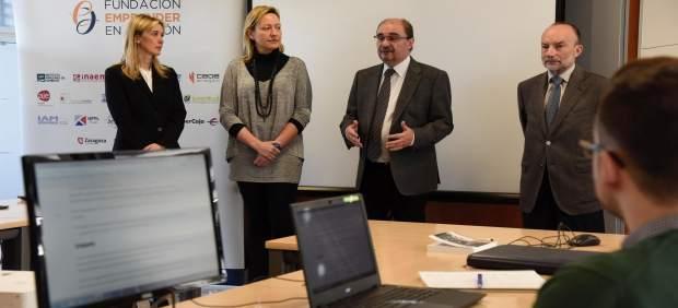 Lambán y Gastón en un taller de empleo en Walqa