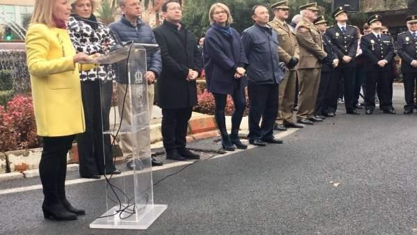José Antonio Monago en el izado de la bandera en Cáceres