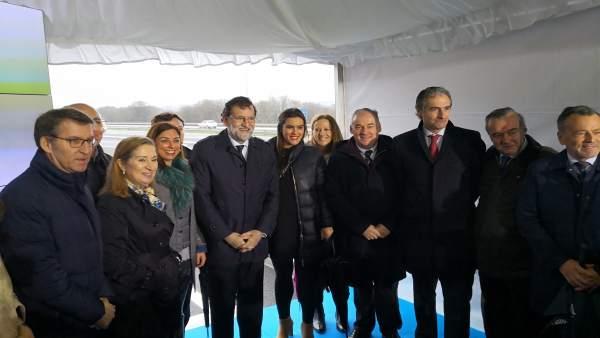 Feijóo y Rajoy, entre otros cargos, en el acto de este miércoles