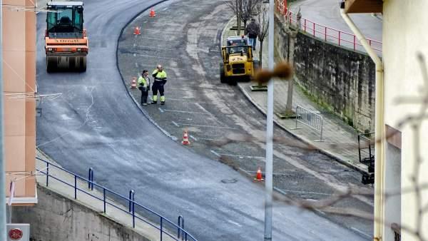 Inicio de los trabajos de asfaltado de las calles