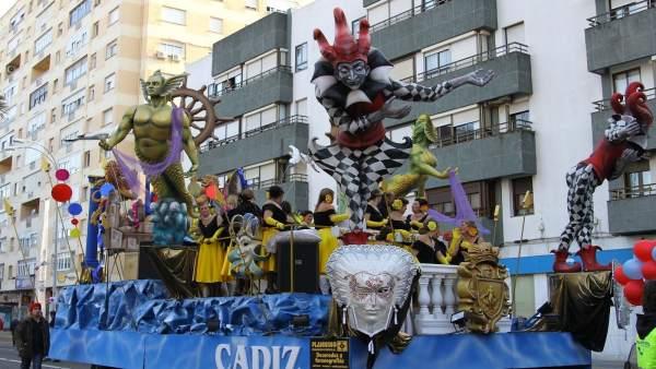 Carroza de la cabalgata del Carnaval de Cádiz