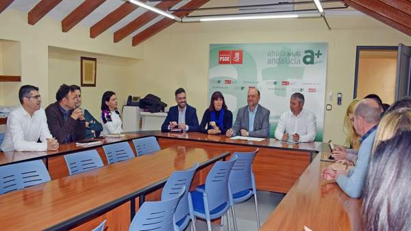 Reunión con alcaldes y grupo parlamentario del PSOE