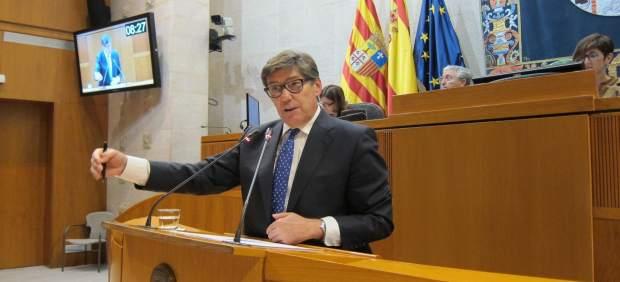 El portavoz del grupo del PAR, Arturo Aliaga, en las Cortes de Aragón