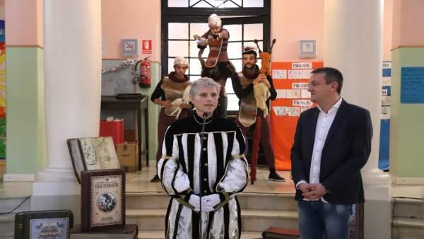 El emisario real y Fernando Rivarés.