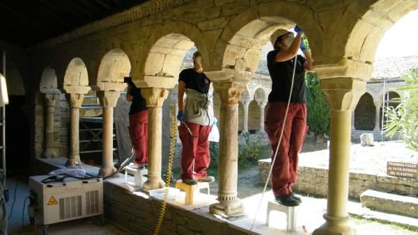 Restauración claustro antigua Catedral de San Vicente de Roda de Isábena