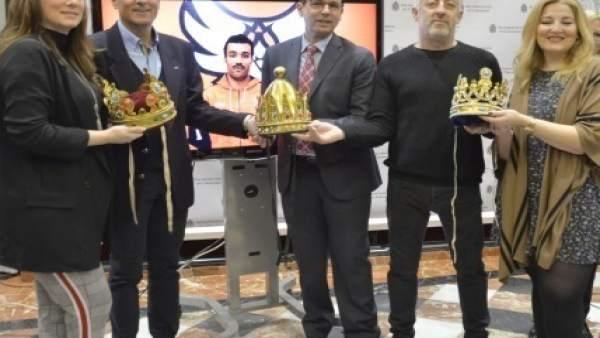 Reyes y Reinas de la Cabalgata de 2018 con Francisco Cuenca