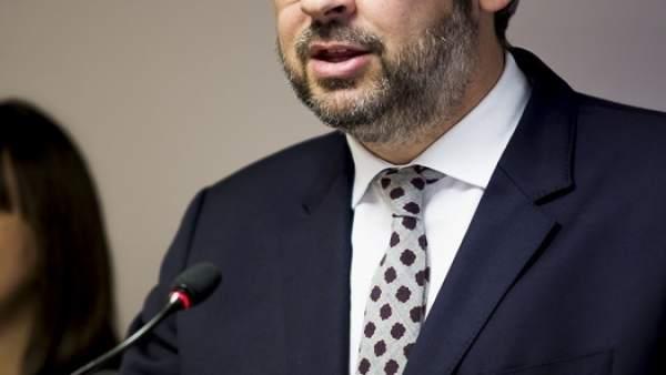 Víctor Martínez (PP) en rueda de prensa