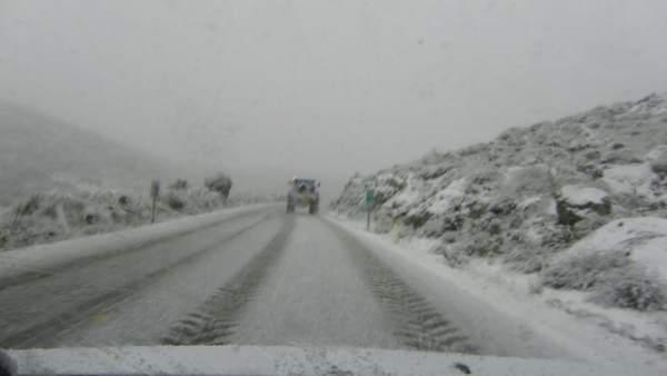 Carretera de la provincia afectada por la nieve