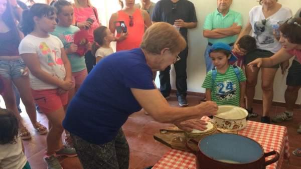 Menores participan en la actividad 'Museos en familia'