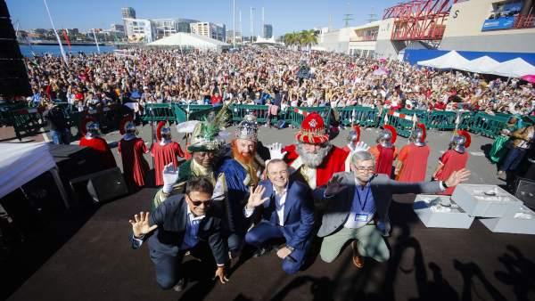 Los Reyes Magos a su llegada a Las Palmas de Gran Canaria