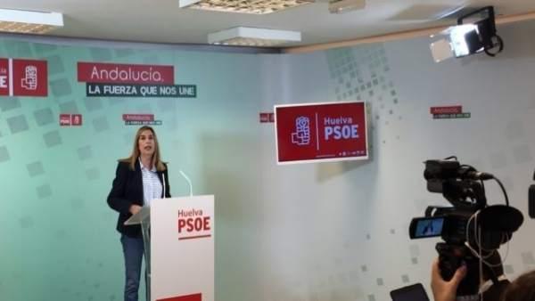 La parlamentaria del PSOE por Huelva, Manuela Serrano