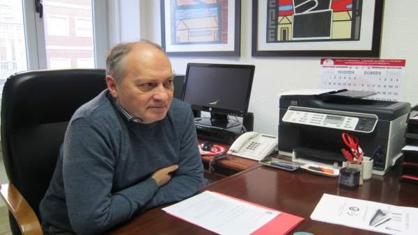 El secretario de UGT, Faustino Temprano, en su despacho