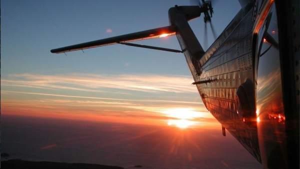Helicóptero que realiza la evacuación médica