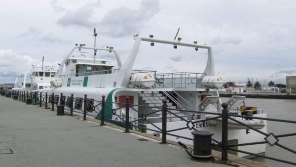 Catamaranes en la terminal de El Puerto de Santa María (Cádiz)