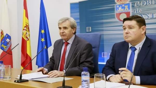 El consejero de Presidencia presenta el borrador de la futura ley del CES