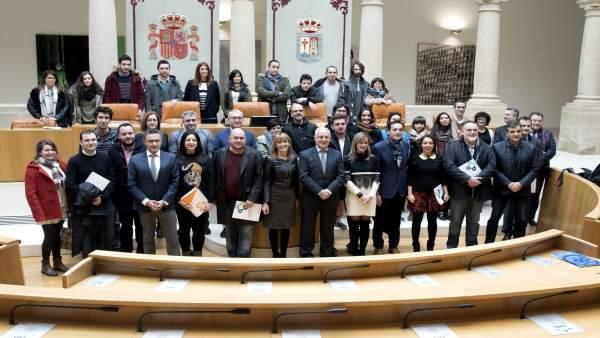 El Pacto por la Emancipación está firmado por todos los grupos parlamentarios