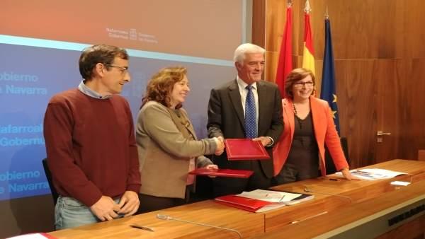 Firma del convenio entre el Gobierno de Navarra y Agroseguro.