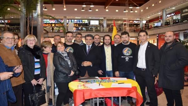 Recogida de firmas de Cs Almería