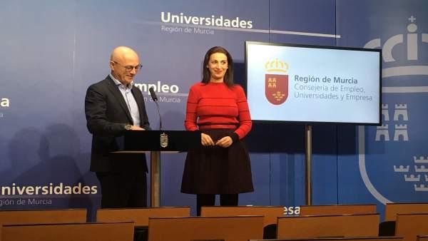 Juan Hernández y Nuria Fuentes en rueda de prensa