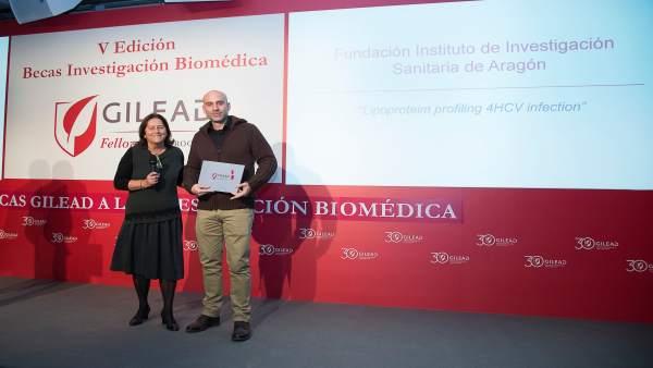 Arbonés y María Buti, presidenta de la Asociación para el Estudio del Hígado