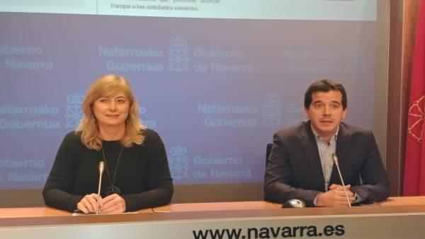 La consejera Ana Ollo y el delegado del Gobierno foral en Bruselas Mikel Irujo