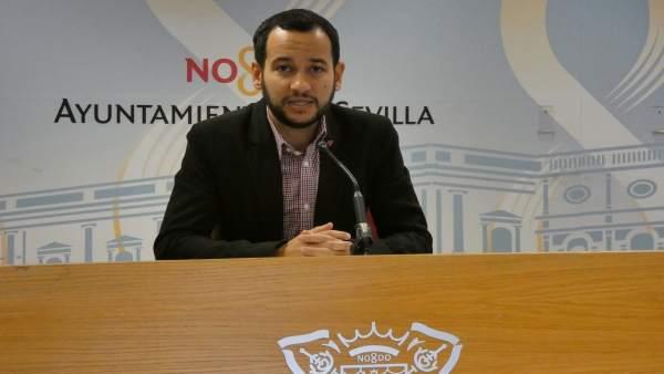 El portavoz municipal de IU en Sevilla, Daniel González Rojas