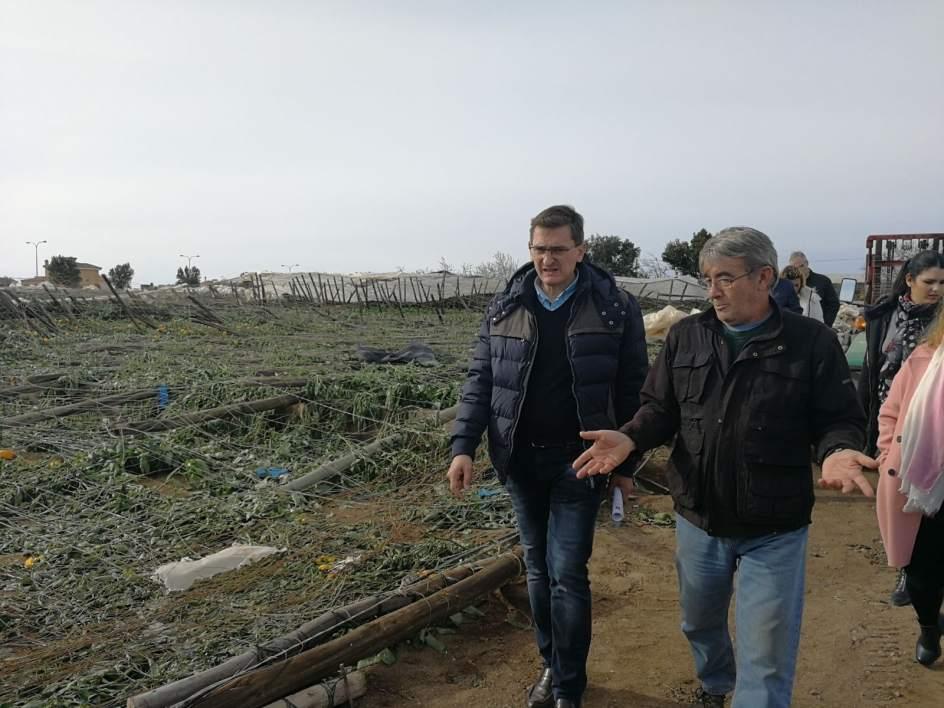 Psoe prev ayudas de la junta para los afectados por los - Tornados en espana ...