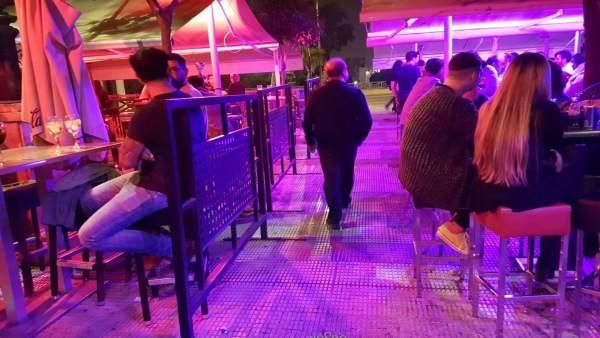 Bares en el Paseo Colón de Sevilla