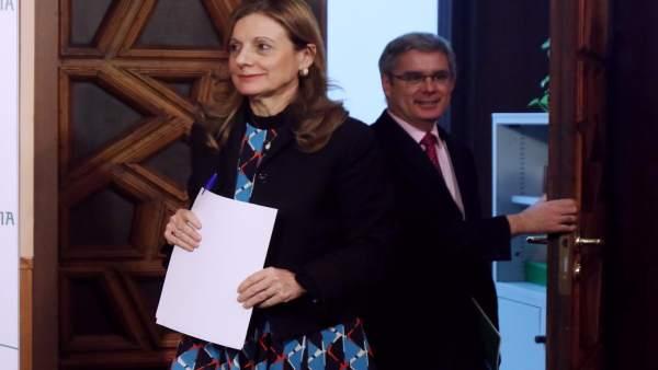 Marina Álvarez y Juan Carlos Blanco antes de la rueda de prensa