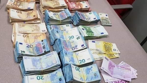 Dinero hallado en el interior de un vehículo