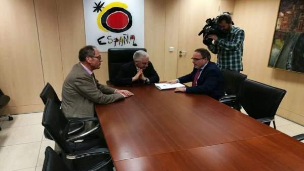 Reunión Extremadura y Turespaña