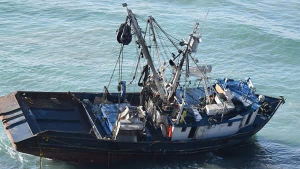 Embarcación mexicana encallada