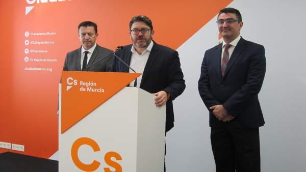 Rued Ad Eprensa Cs Con Miguel Sánchez A La Cabeza