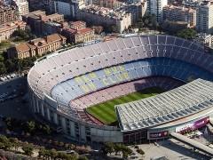 Detenido un hombre junto al Camp Nou por agredir a otro con una porra extensible