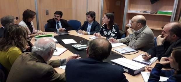 Reunión entre la CHE y el alcalde de Huesca