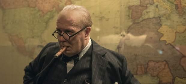 Gary Oldman como Churchill