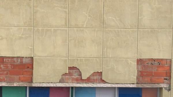 Exterior de la fachada de la guardería de temporeros