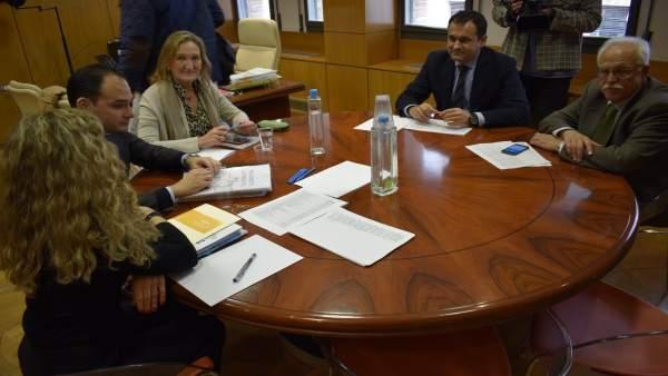 Reunión entre PSOE y PP para abordar los presupuestos de 2018