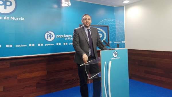 El portavoz del Partido Popular de la Región de Murcia, Víctor Martínez