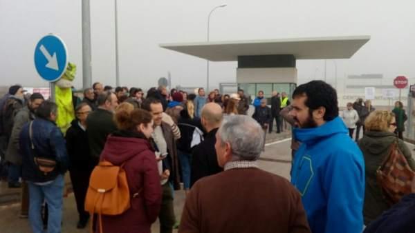 Manifestantes concentración contra CIE archidona cárcel tras muerte argelino