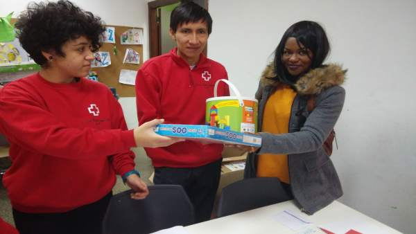 Campaña Cruz Roja para recogida de juguetes
