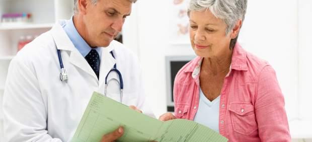 Mujer en el médico