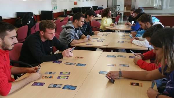 Juego de cartas diseñado para la mejora de hábitos de vida