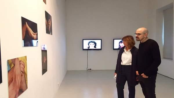 López-Briones, visitó hoy la exposición 'Des-educación utópica'