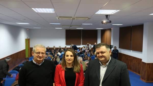Ruiz y Zurera (dcha.) durante la entrega de resoluciones
