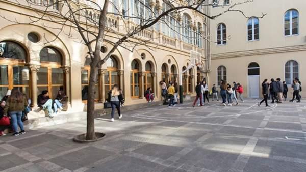 Patio de la Escuela Vedruna de Gràcia.