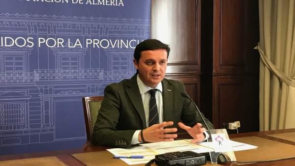 Javier Aureliano García durante la presentación de la agenda para Fitur 2018.