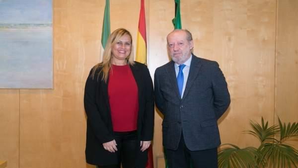 Villalobos con la nueva alcaldesa de Palomares