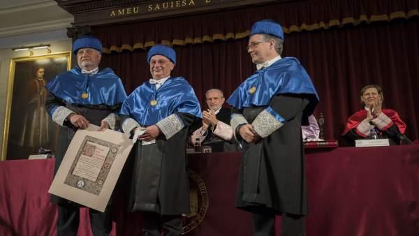 El biólogo Francisco Martínez Mojica investido doctor 'honoris causa' en la UV