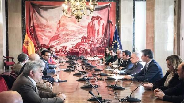Reunión en el Congreso sobre la situación ferroviaria en Granada